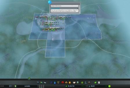 В SimCity 2013 стартовый город был по размеру таким же и еще два можно открыть по соседству. В C:S можно докупить еще восемь таких же квадратов.