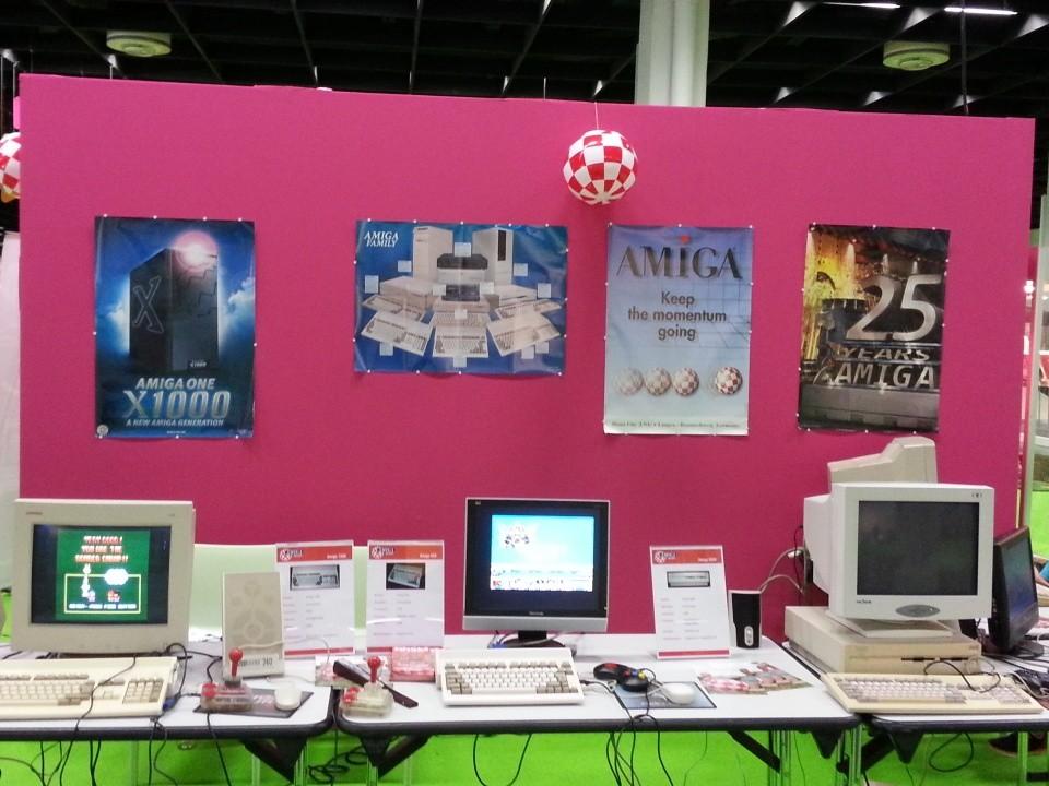 Никому не интересен культовый игровой компьютер второй половины 80-х.