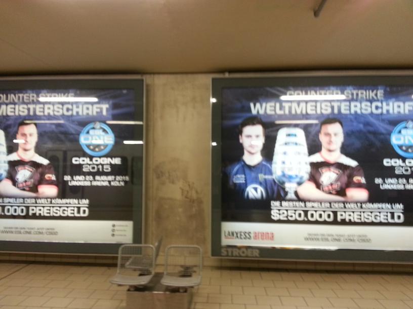 Рекламой этого киберспортивного мероприятия было увешано все метро в Кельне.